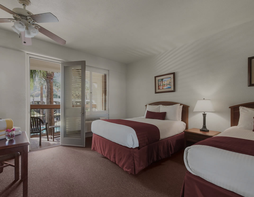 Palm Mountain Resort double room